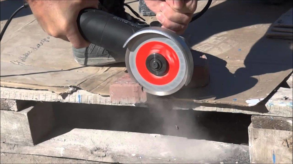 Как распилить плитку без повреждений