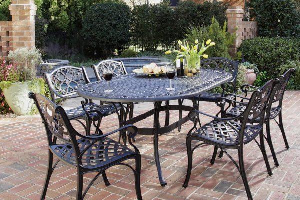 Кованые столы (44 фото): подстолье для модели с деревянной столешницей, стулья и скамейки для маленького столика со стеклом